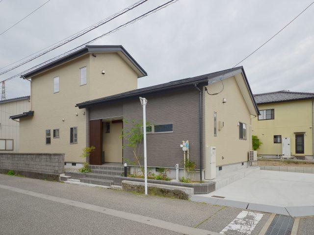 富山市山室荒屋 フルリノベーション物件のサムネイル画像