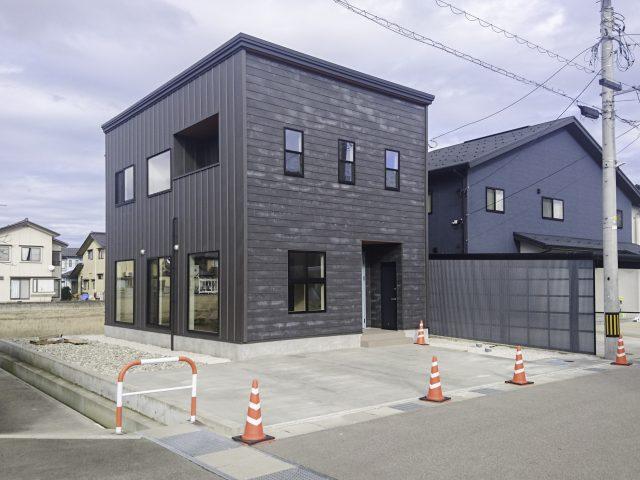 【高岡市蓮花寺】3LDK|野村小学校区|新築住宅|吹き抜け階段|イオンモールまで車で約10分のサムネイル画像