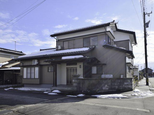 富山市山室荒屋|6LDK|小学校まで徒歩10分圏内。リフォーム住宅|山室中部小学校区|山室中学校区|のサムネイル画像