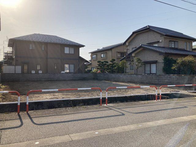 富山市大島|宅地|建築条件なし|バス停まで徒歩約5分!|東側道路のサムネイル画像