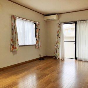 富山市太田の4LDK 既存(中古)住宅 |小・中学校に通いやすく、駅やバス停も徒歩圏内で、通勤・通学に便利な地域。お買物施設も充実。
