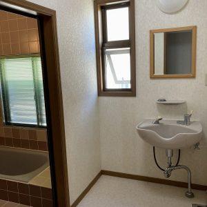 4LDK+2Sの既存(中古)住宅が入善町椚山にて販売開始|オスカーホーム施工物件|オスカーの点検サービス加入可能|床暖房付き|収納豊富