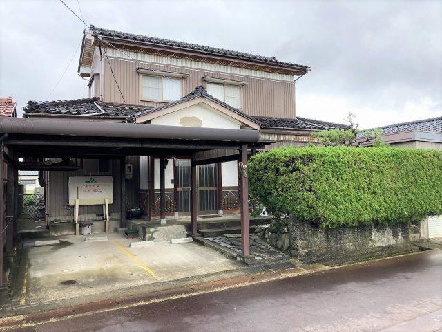 富山市布目の4LDK・オール電化住宅を販売中!リビング・和室からお庭の眺めを楽しめます。のサムネイル画像